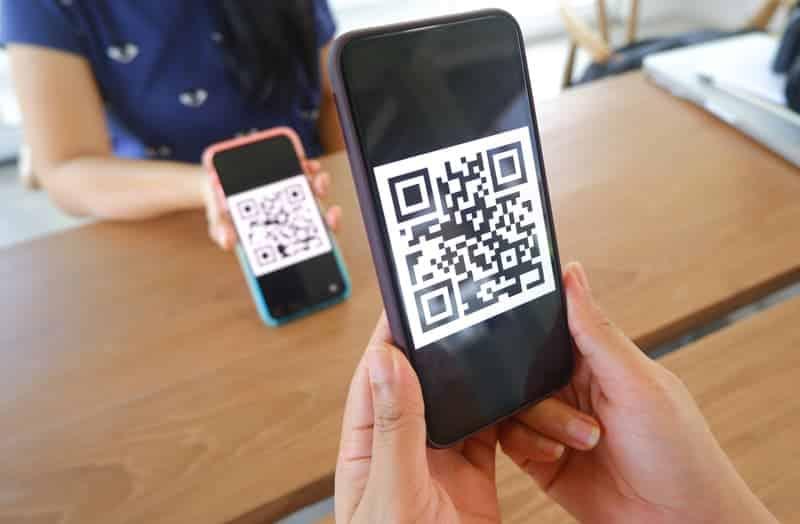 Smartphone using QR code